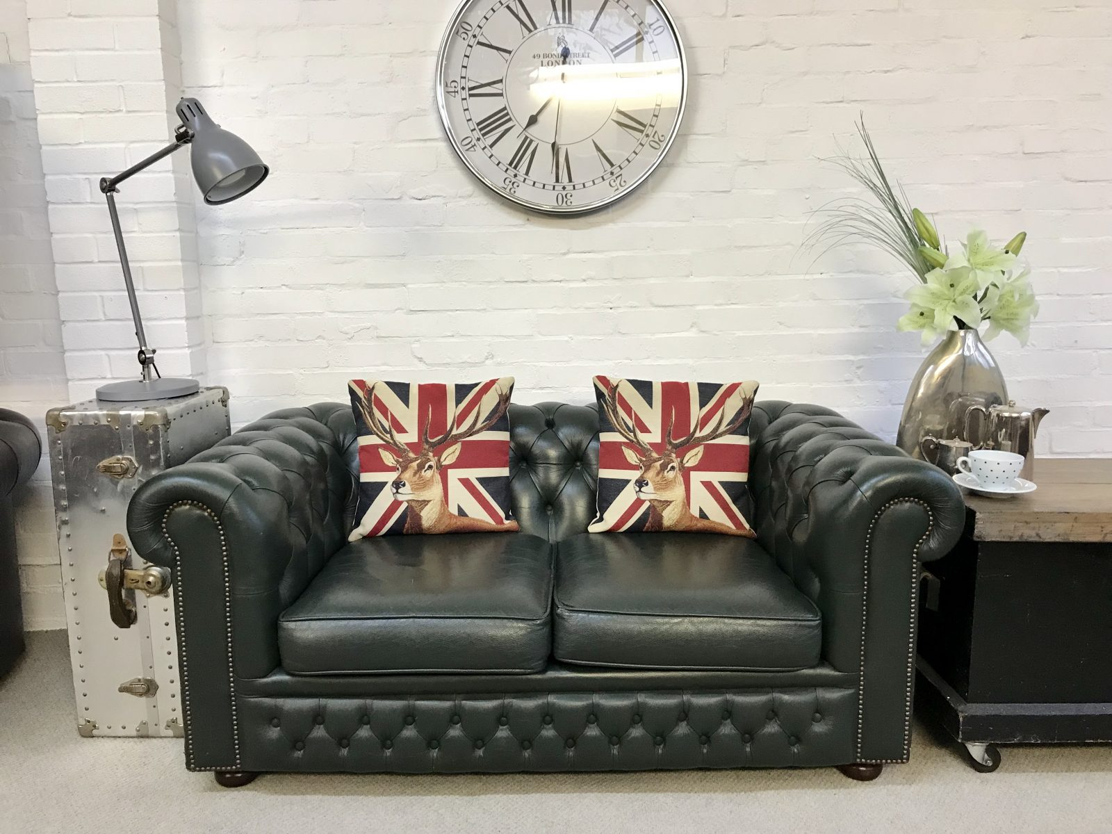 Lincoln Green 2 Seater Chesterfield Sofa.