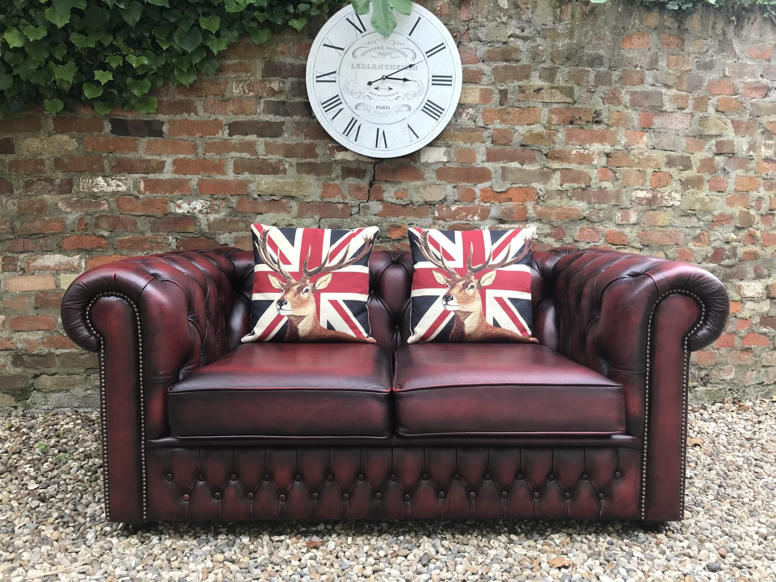 chesterfield sofa green patina