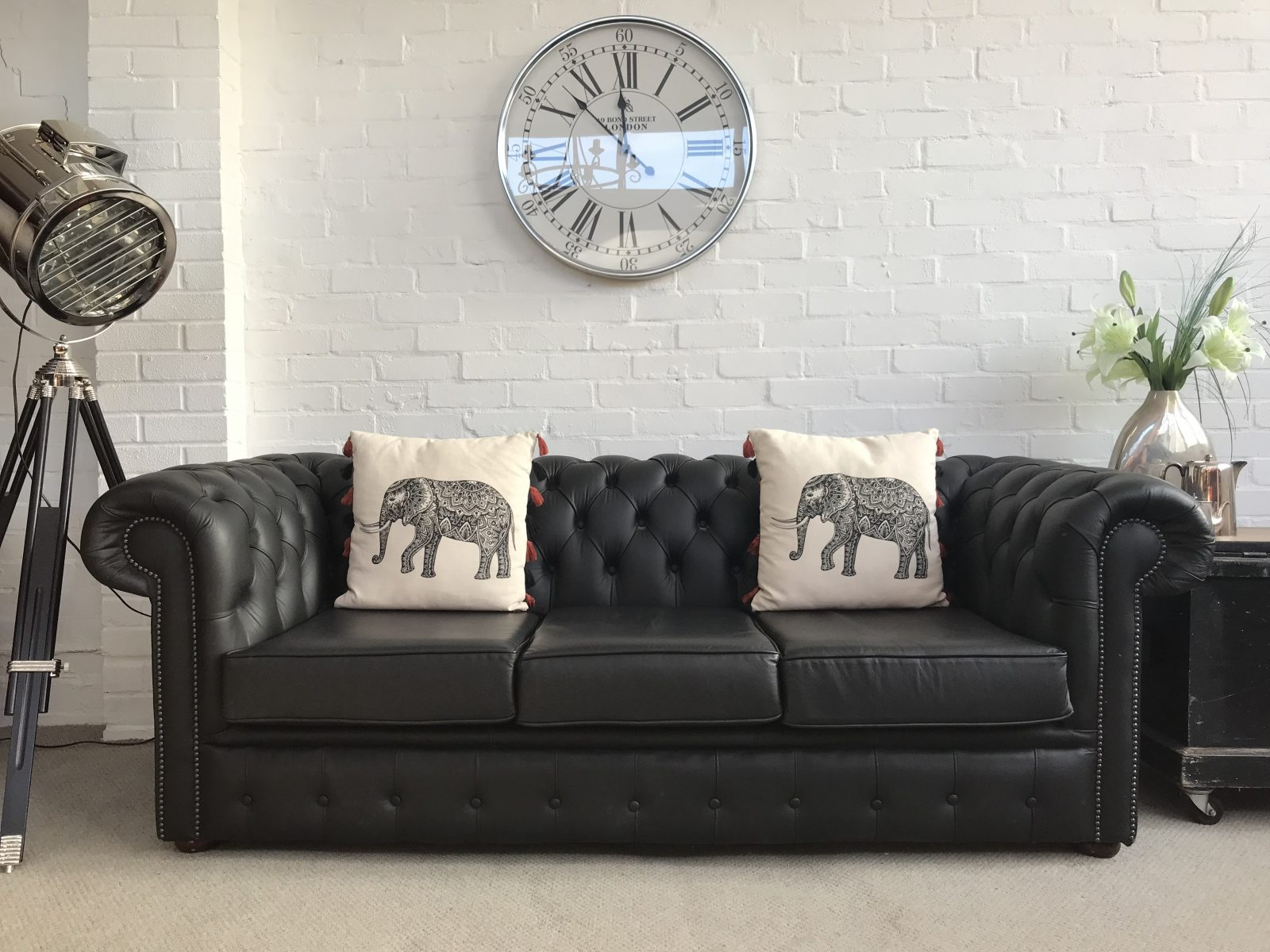 Stunning Black 3 Seater Chesterfield Sofa Bed.