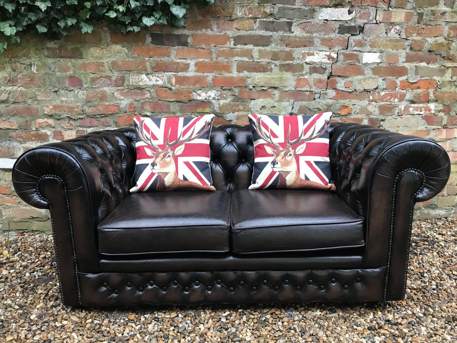 Rich Dark Brown Thomas Lloyd 2 Seater Chesterfield Sofa.