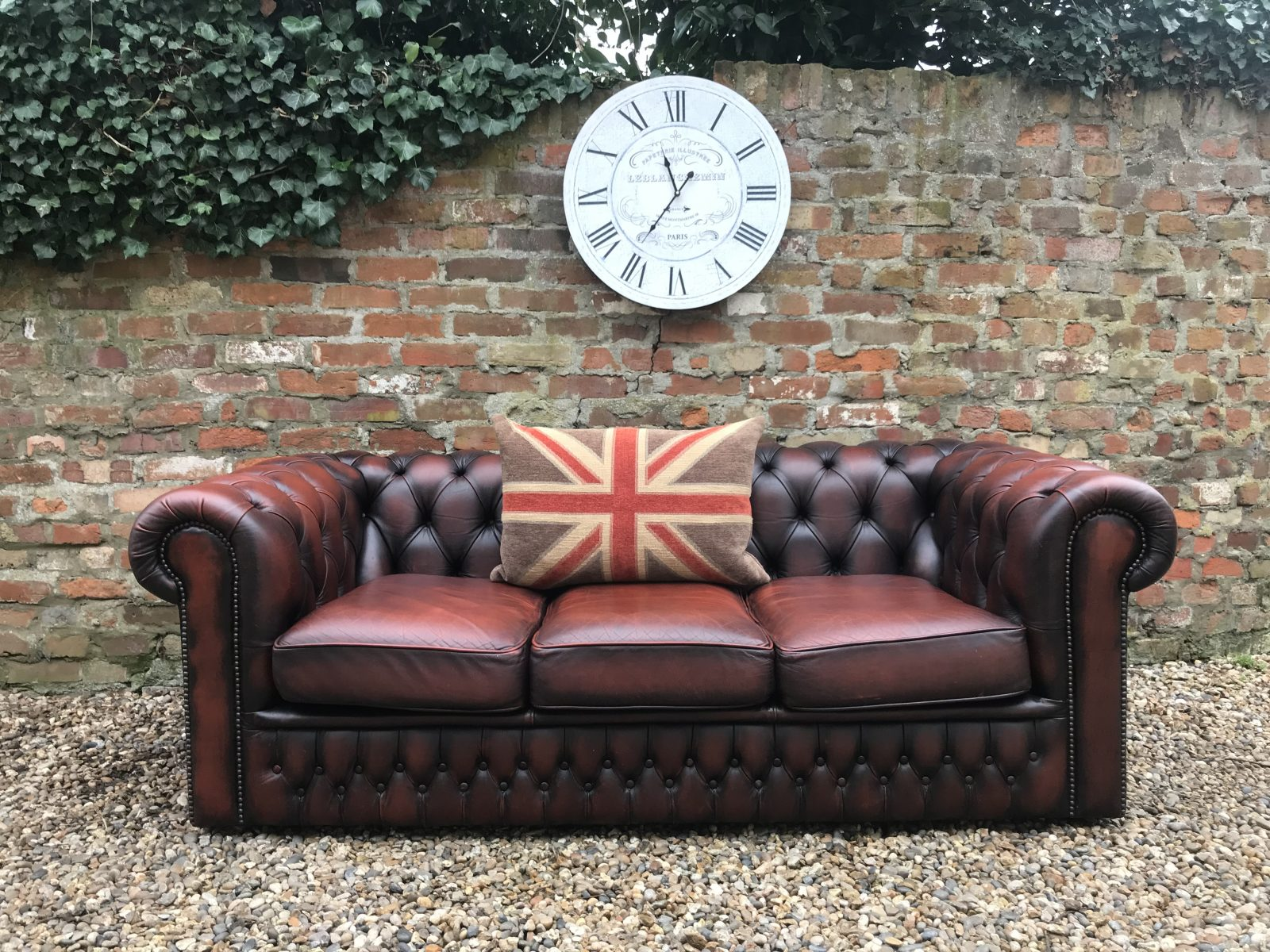 Old English Rustic Brown Chesterfield Sofa.