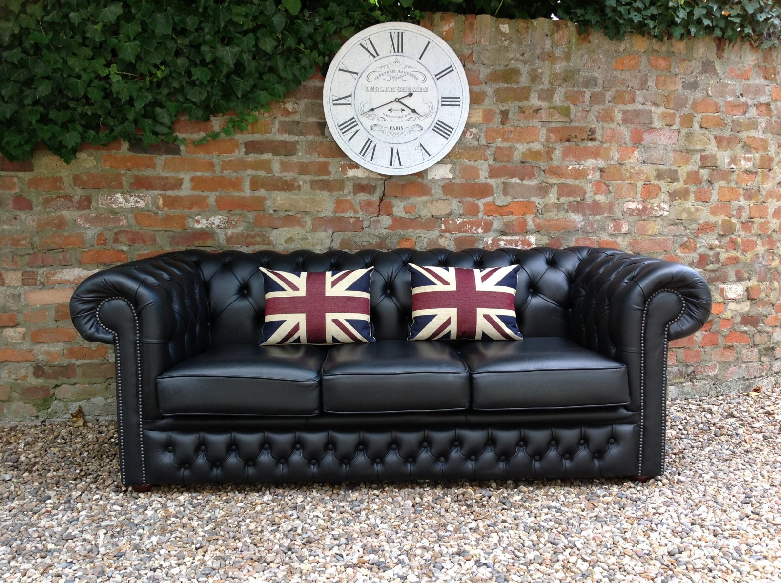 Chesterfields at the Boathouse – Vintage Chesterfield Sofas