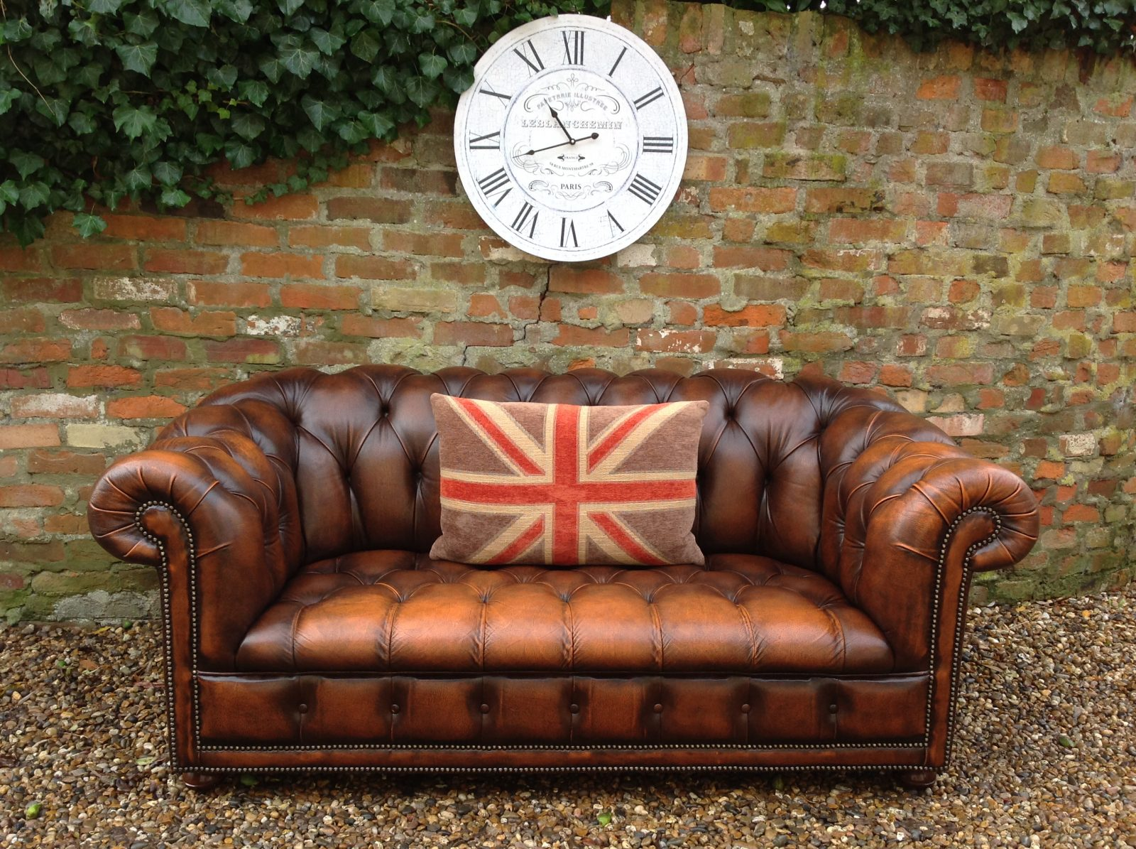 Stunning Antique Gold Large 2 Seater Chesterfield Sofa.