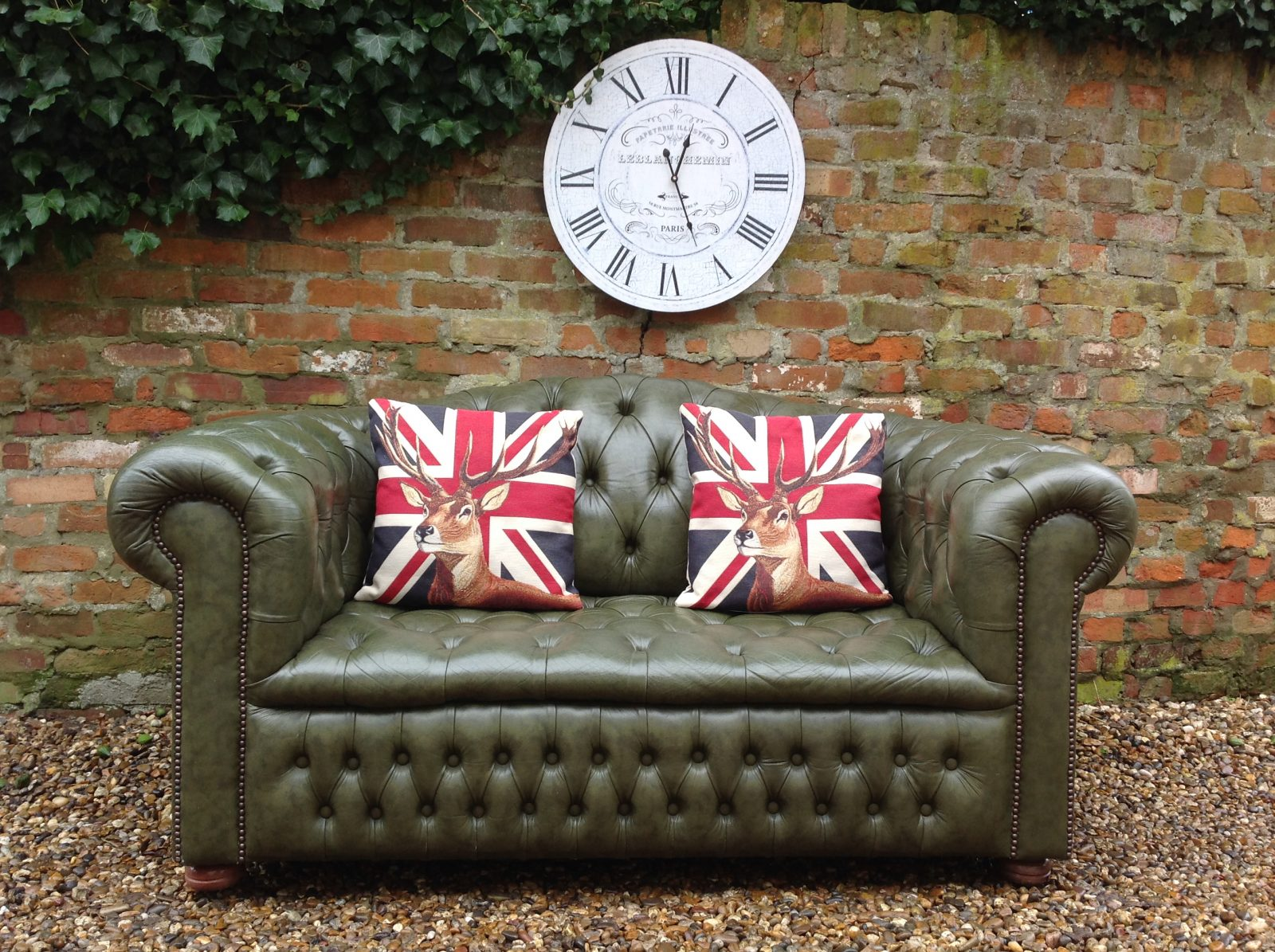Olive Green 2 Seater Chesterfield Sofa……..( Matching 3 Seater Available )