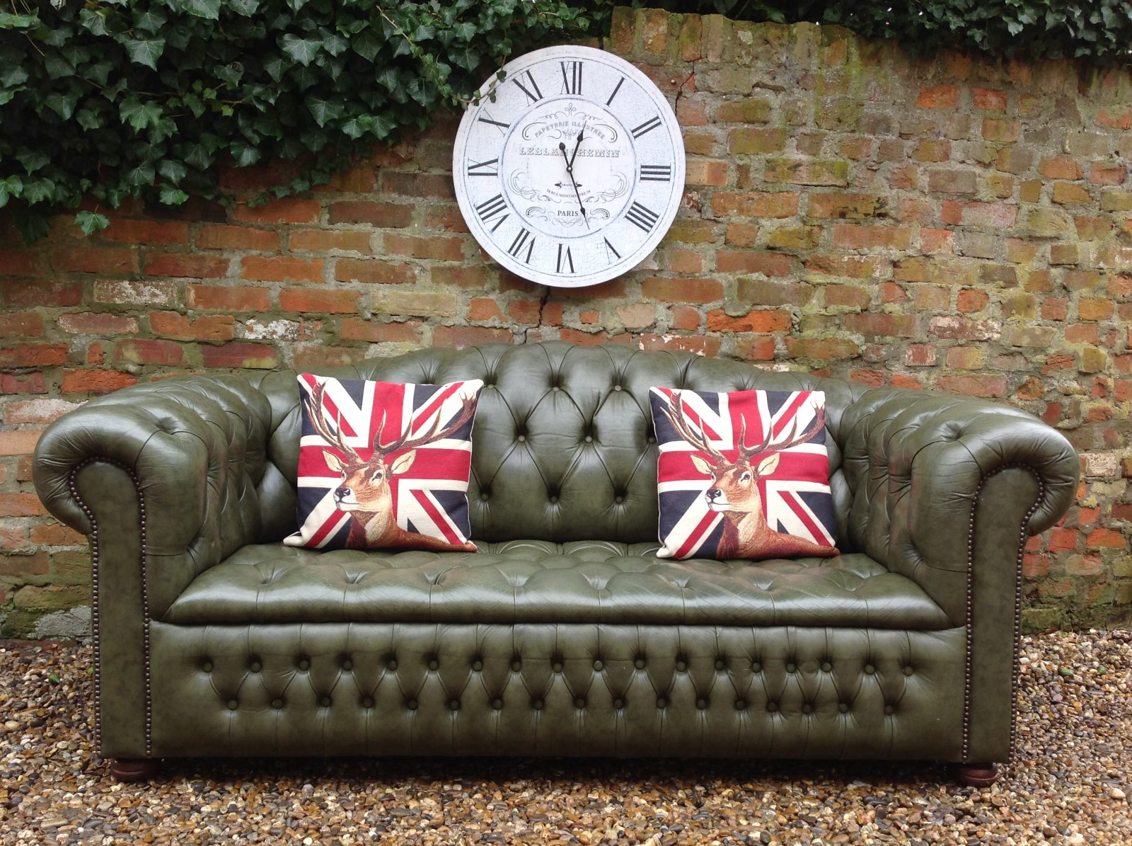 Olive Green 3 Seater Chesterfield Sofa……..( Matching 2 Seater Available )