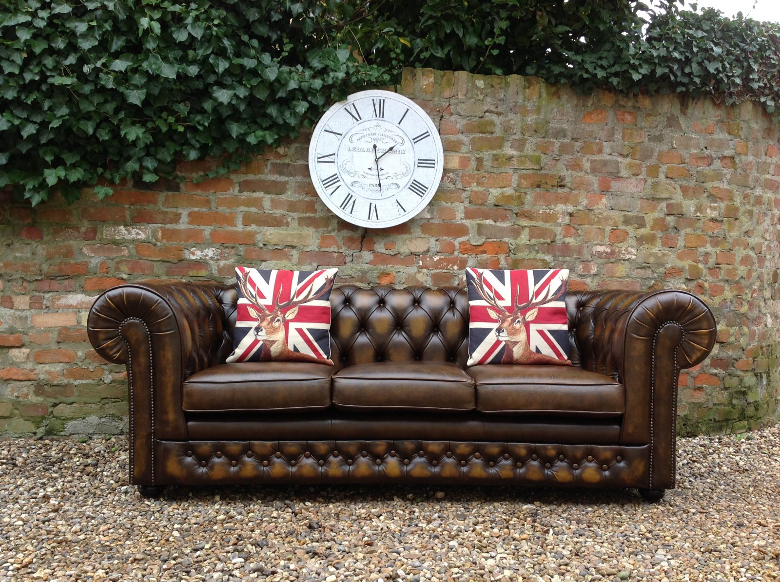 Antique Gold Thomas Lloyd Chesterfield Sofa.(Matching 2 Seater Available)