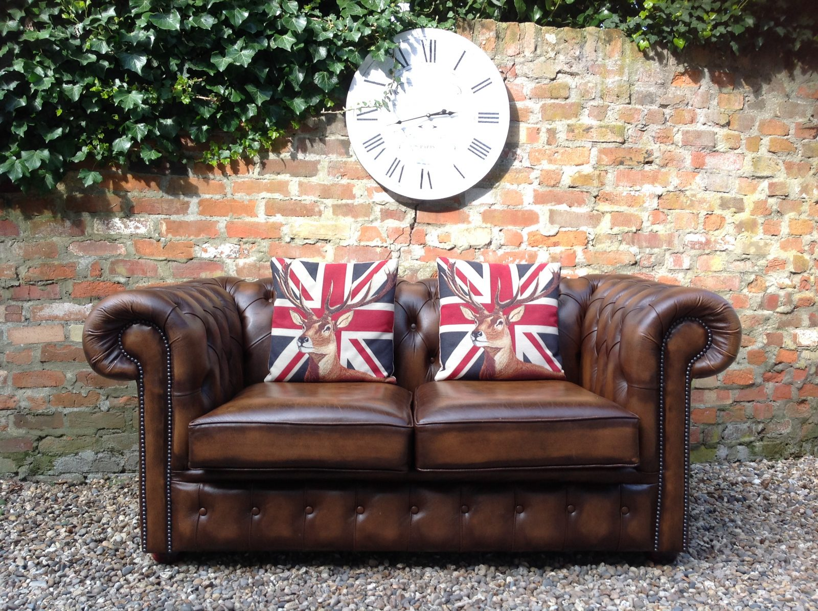 Brown Chesterfield Sofa. (Matching 3 Seater Available)