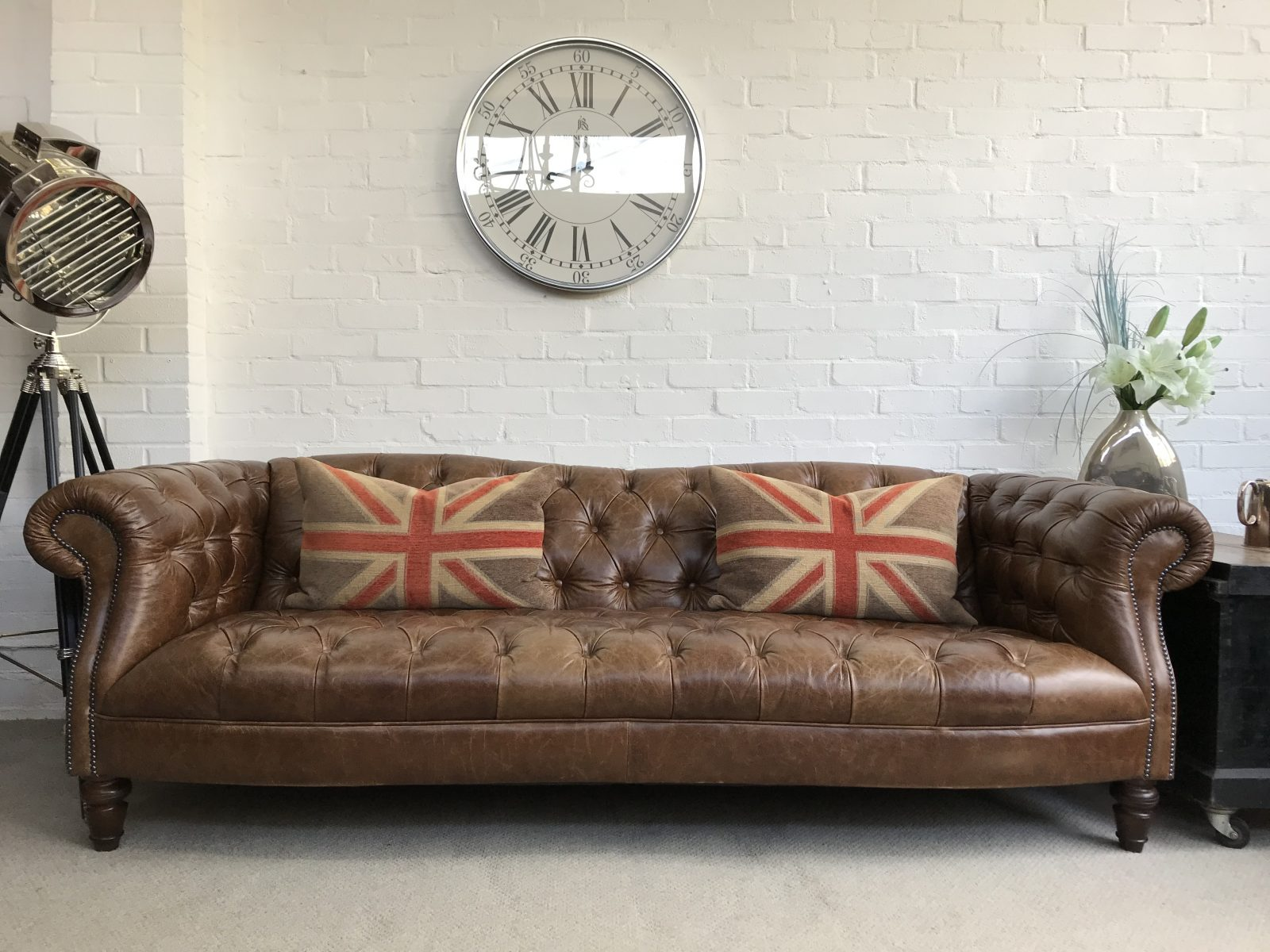 Classic Antique Whisky Tan 4 Seater Chesterfield Sofa.
